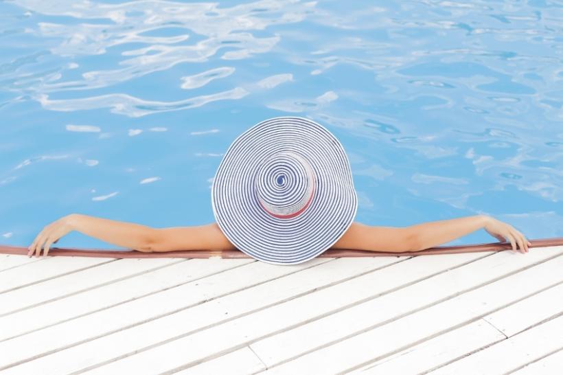 Bestelling privézwembaden blijft stijgen - Lifestyle - 2HB