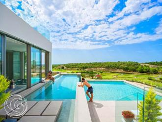 Belgen kopen om de twee uur een Spaanse casa - Vreemd gaan - 2HB