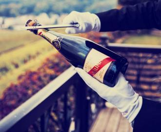 Champagne sabreren - Hebbertjes - 2HB