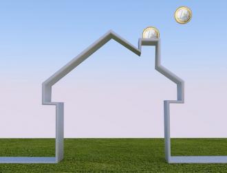 Invloed van constante factoren op Vlaamse woningprijzen - Financieel - 2HB