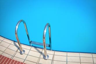 Zwembadverkoop piekt - Lifestyle - 2HB