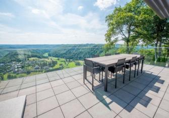 Appartement met een uitzonderlijk uitzicht op het dorp Frahan - Ardennen - 2HB